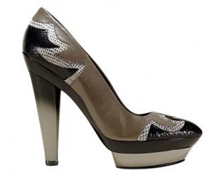 7devi kroell 300x246 - Обувки от материи в различни цветове