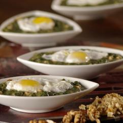 kasha kopriva - Каша от коприва с яйца и орехи