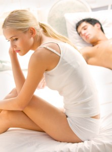 troubles1 221x300 - 5 грешки, които допускат мъжете в леглото