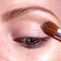 0002 - 12 стъпки при нанасянето на златния макияж