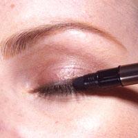 0005 - 12 стъпки при нанасянето на златния макияж