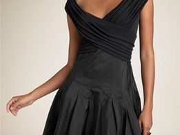 lbd 261x196 - Как трябва да се носи малката черна рокля