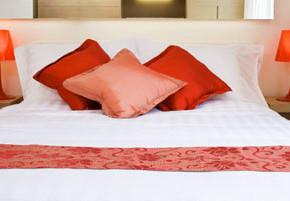 1 290x201 - Как да създадете еротичен интериор в спалнята си