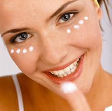 11 221x220 - Грижи за кожата на лицето по време на бременността