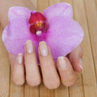 Как правилно да се грижите за ноктите си