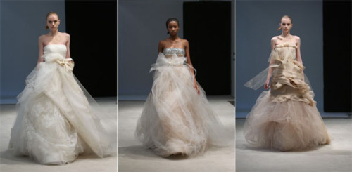 3 1Vera Wang 500x245 - Пролет-лято 2010: Булчински рокли