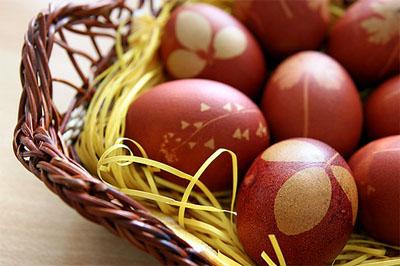 via 01 - 8 идеи за боядисване на великденски яйца