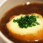 luk sup 150x150 - Лучена супа с крутони