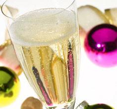 Shampansko 236x220 - Как правилно да отворите шампанското на Нова година