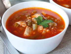 domato pile bob 290x220 - Доматена супа с пилешко и зелен фасул