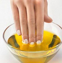 01n 219x220 - Подготовка за Нова година: Предпразнични грижи за ноктите