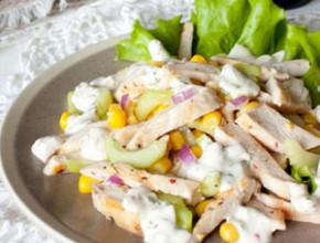 pileshka salata 290x220 - Пилешка салата с краставици и царевица