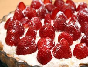 bademov sladkish iagodi 290x220 - Бадемов сладкиш с ягоди