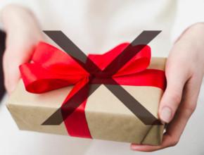podarak 290x220 - Подаръците, които НЕ трябва да подаряваме