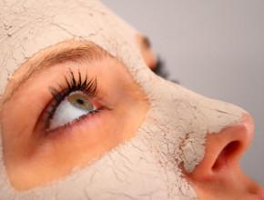 maski lice 290x220 - Домашни маски за коса и лице с ленено масло