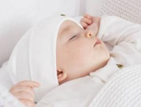 baby 290x220 - Подходящите материи за детски и бебешки дрехи