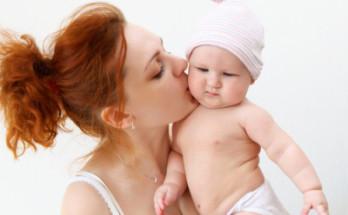 baby mother 348x215 - Майчинството – микс от емоции и вулкан от чувства за всяка жена