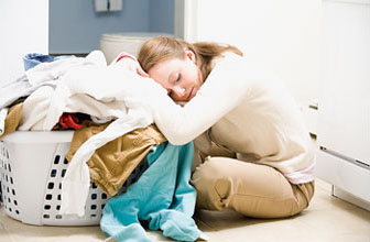 housework1 f - Кариера, деца, домакинство – как да съчетаваме