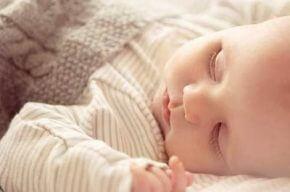 Как да изберем спално бельо за нашето бебе