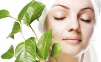 maska za lice 348x215 - Грижа за кожата на лицето в домашни условия
