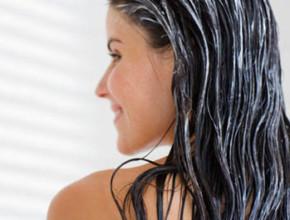 maska za kosa 290x220 - Обичате ли да си правите домашни маски за коса?