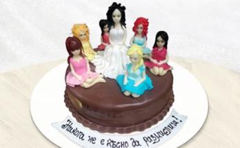 mominsko parti 348x215 - Идеалното моминско парти: интересна торта, приятна компания и много смях