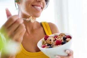 dieta 290x193 - Защо след 40 години е много трудно да отслабнете и как да се справите с този проблем