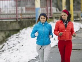 sport prez zimata 290x220 - Вреди и ползи от спорта на свеж въздух през зимата