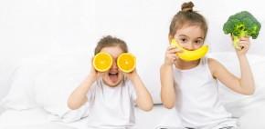 zdravoslovno hranene deca 290x142 - Топ 10 здравословни навици за децата ви